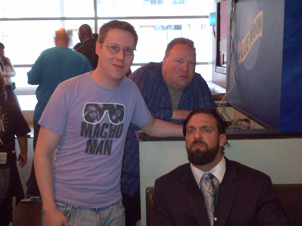 "Addie and Mo with Damien Sandow. When Mo told Sandow he was one of the unwashed masses Sandow told him ""It's good you have a sense of self"""
