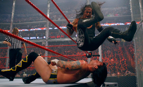 54-undertaker-cm-punk-hell-in-the-cell