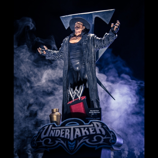 the-undertaker-wwe-icon-series-resin-statue-mcfarlane-collectors-club-exclusive-52